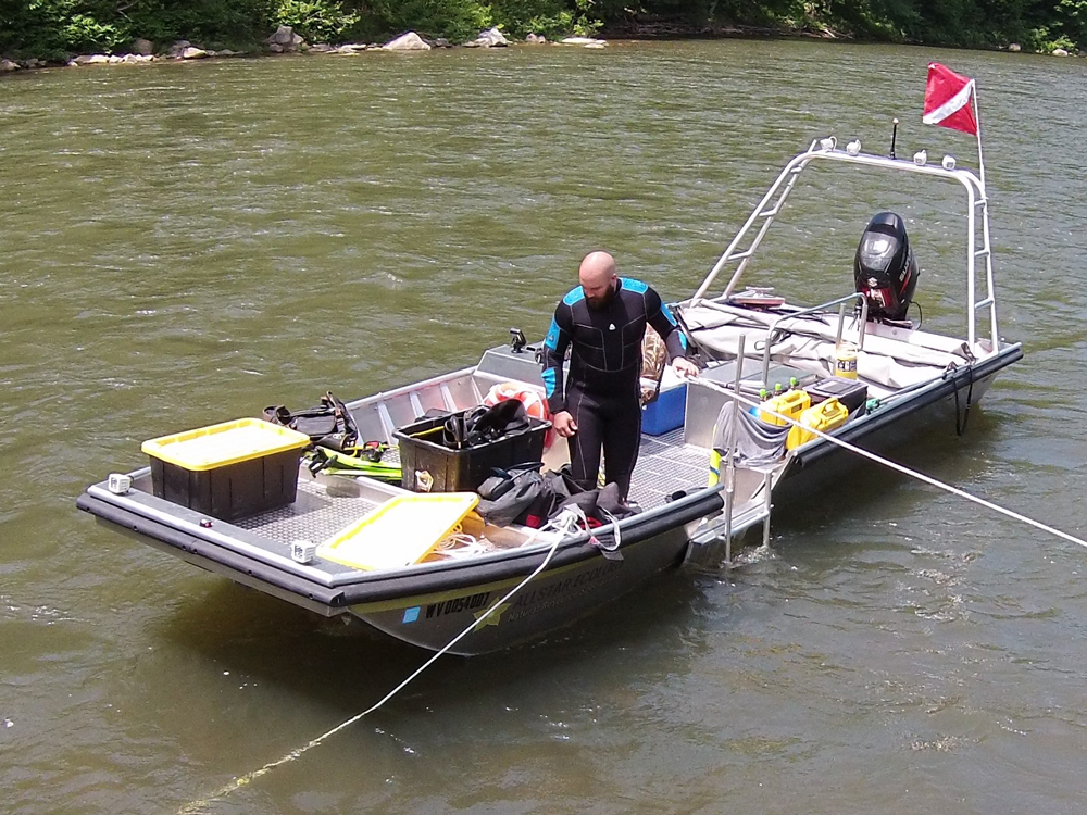 low visibility mussel surveys in the Monongahela River in Monongalia County, WV